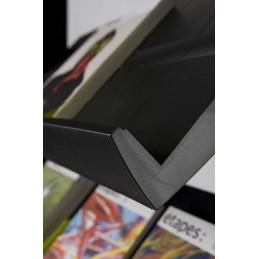 Présentoir mobile Simple Face 5 tablettes de PAPERFLOW : détail tablette avec rebords.