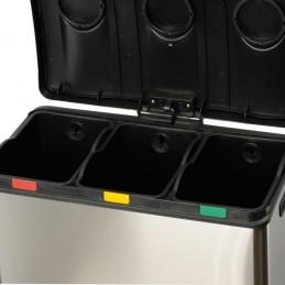 Poubelle trois fois 12 litres pour le tri sélectif couvercles ouverts.