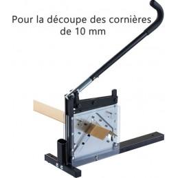 Machine de coupe des cornières en carton